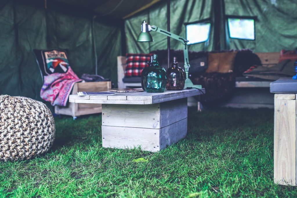 types-de-table-pour-camping